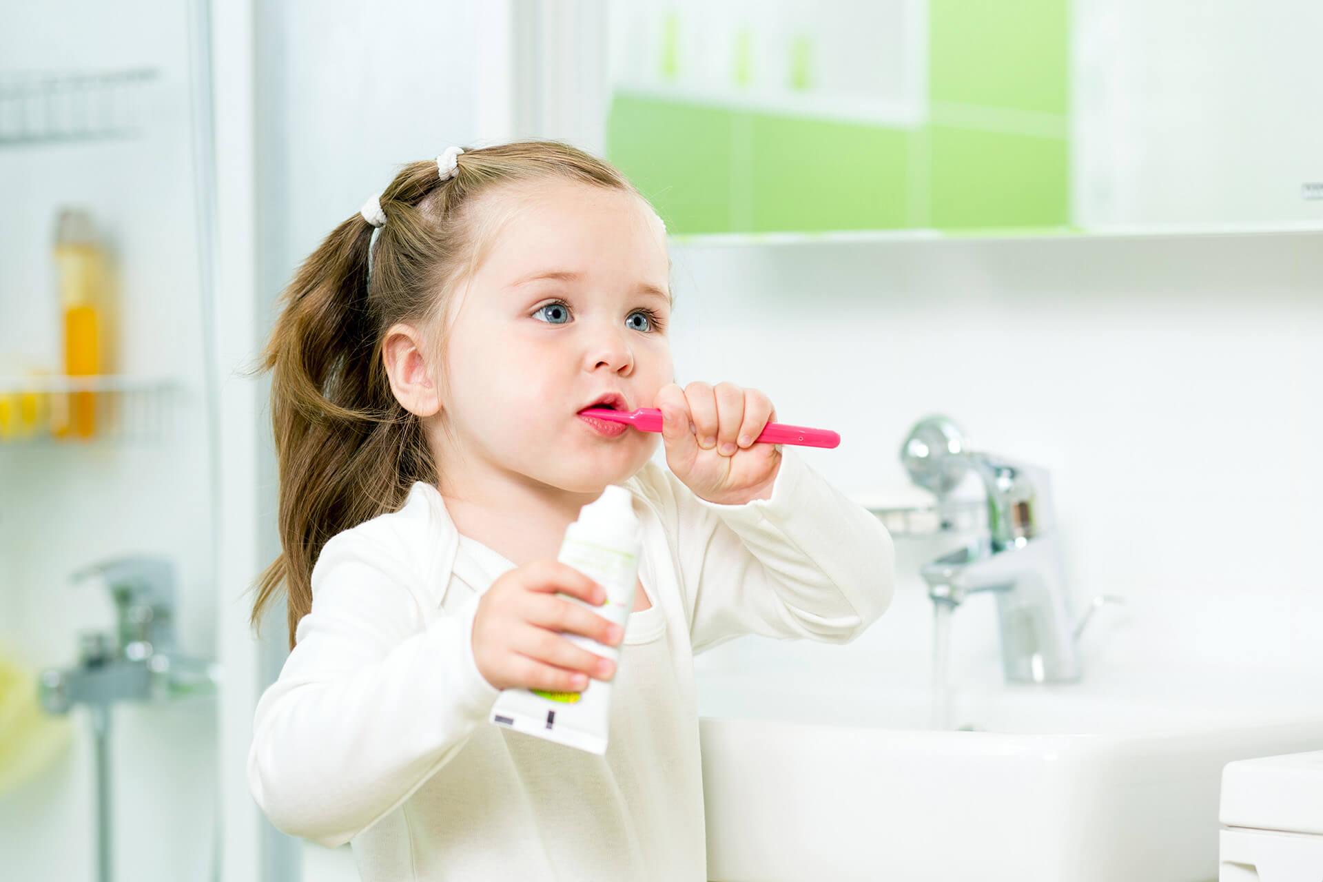 İlk Diş Fırçalaması Ne Zaman Olmalıdır?